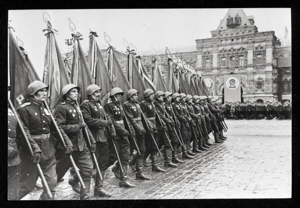 parade1945-2