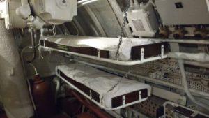 Спальные места внутри подводной лодки «Лембит»