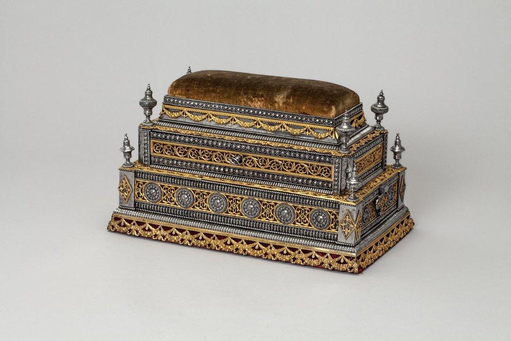 Шкатулка с выдвижным ящичком. Российская империя, г. Тула. Около 1801 года.