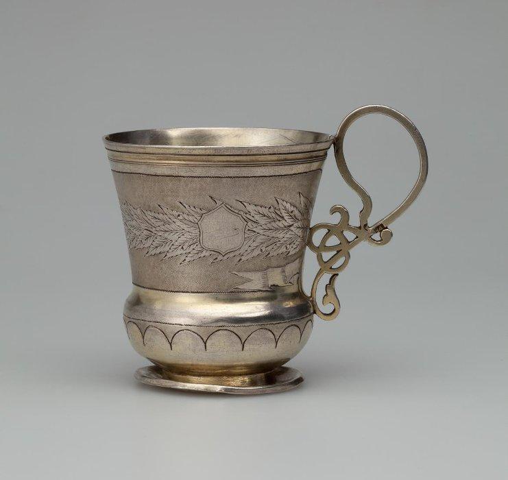 Чашка. Фирма П. Овчинникова. 1868 г.