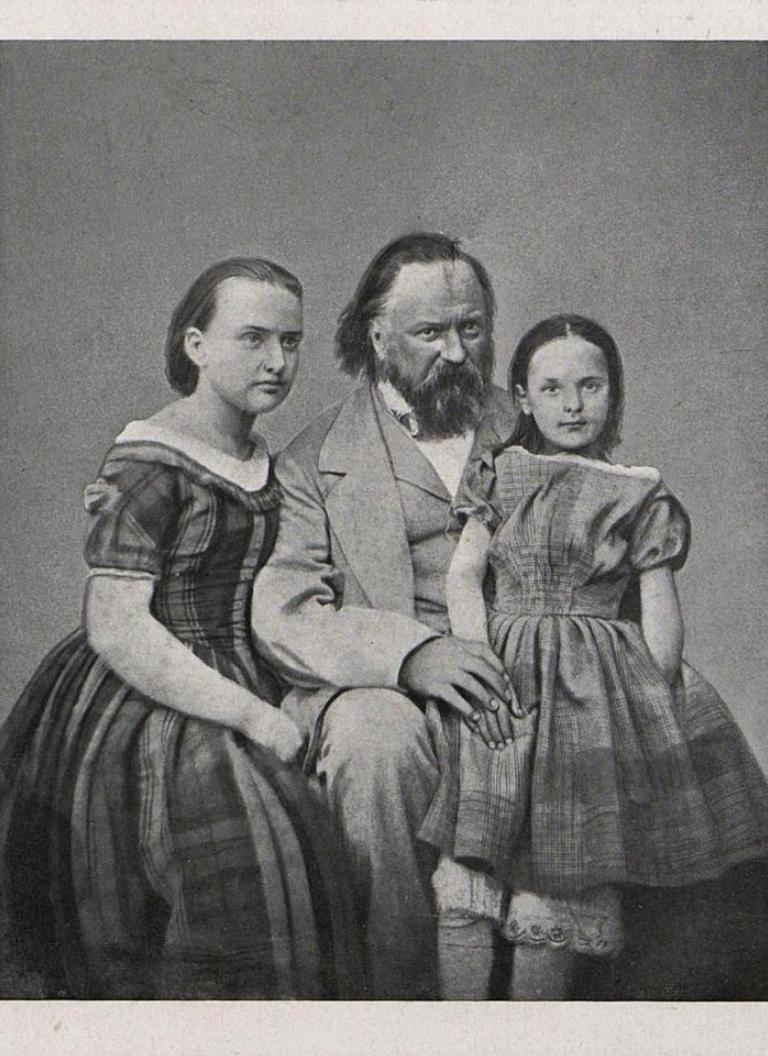 Герцен А.И. с детьми, конец XIX - начало XX вв.
