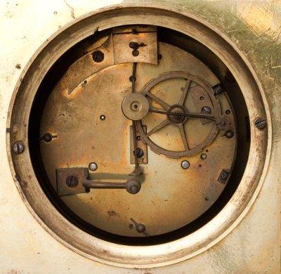 Часовой механизм каминных часов