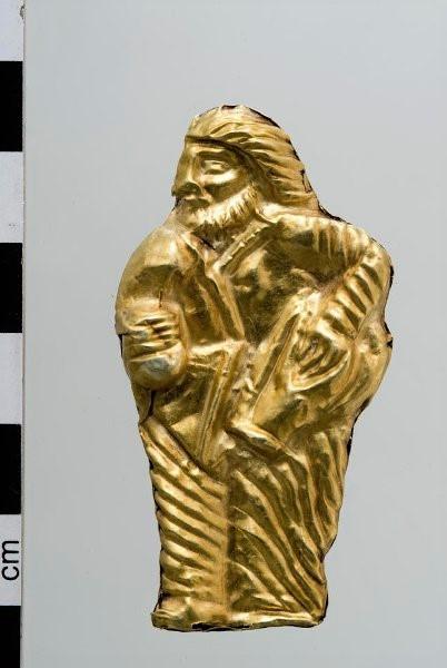 Пронизь в виде фигурки скифа. Около 350 г. до н.э.