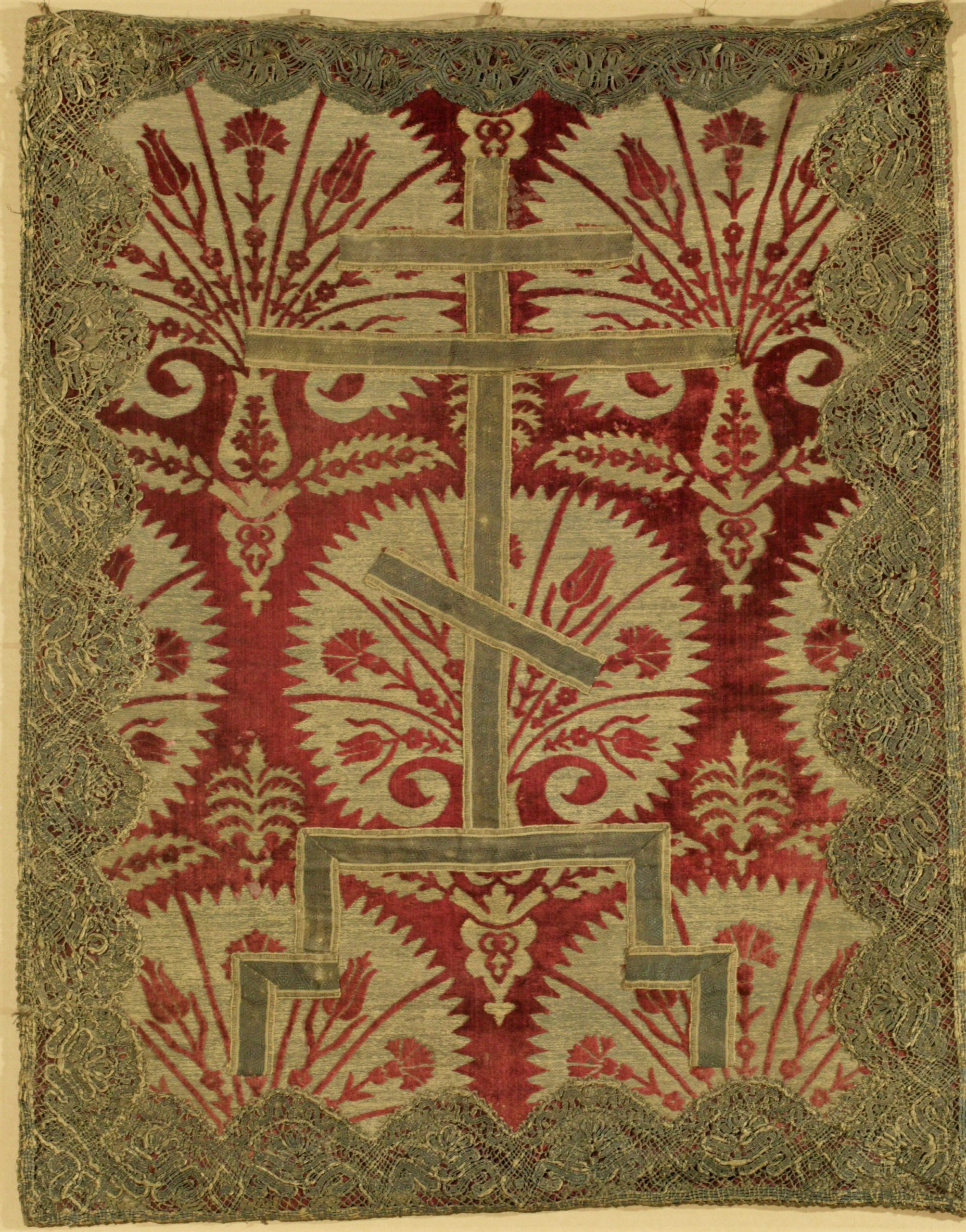 Пелена с орнаментом «опахалы»