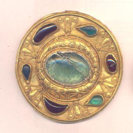 Фибула круглая с вставками и сканным орнаментом. II-I вв. до н.э.
