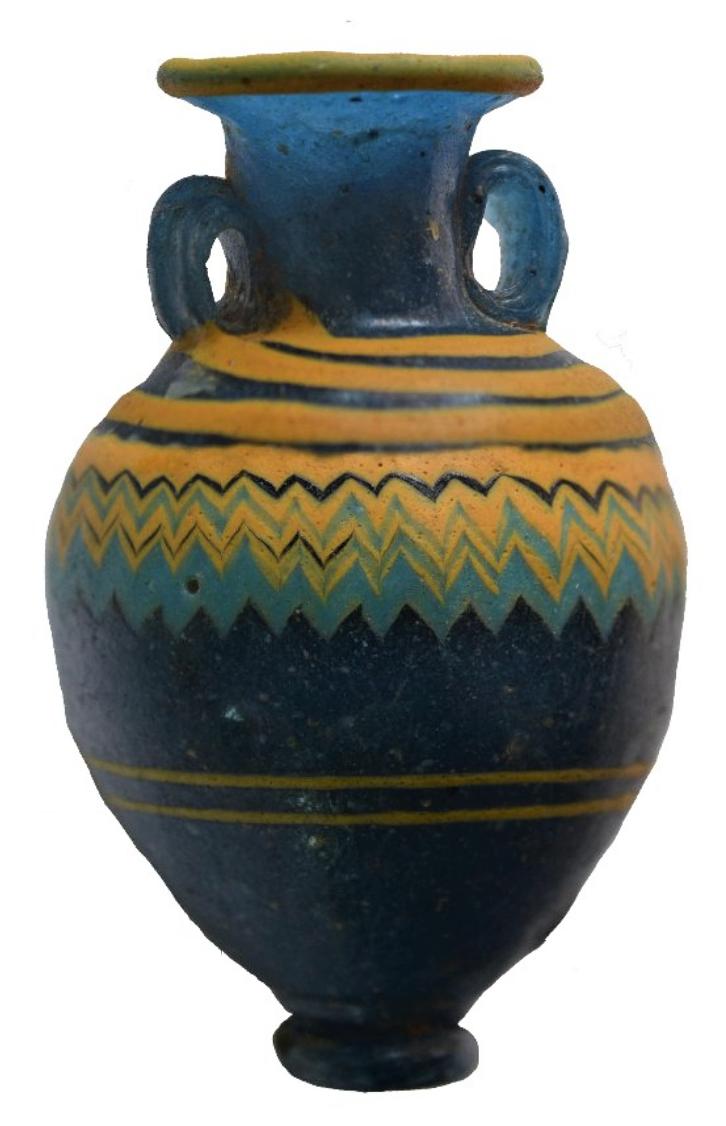 Амфориск тёмно-голубого глихого стекла с зигзагообразным и прямым орнаментом из нитей жёлтого стекла. Середина V в. до н. э.