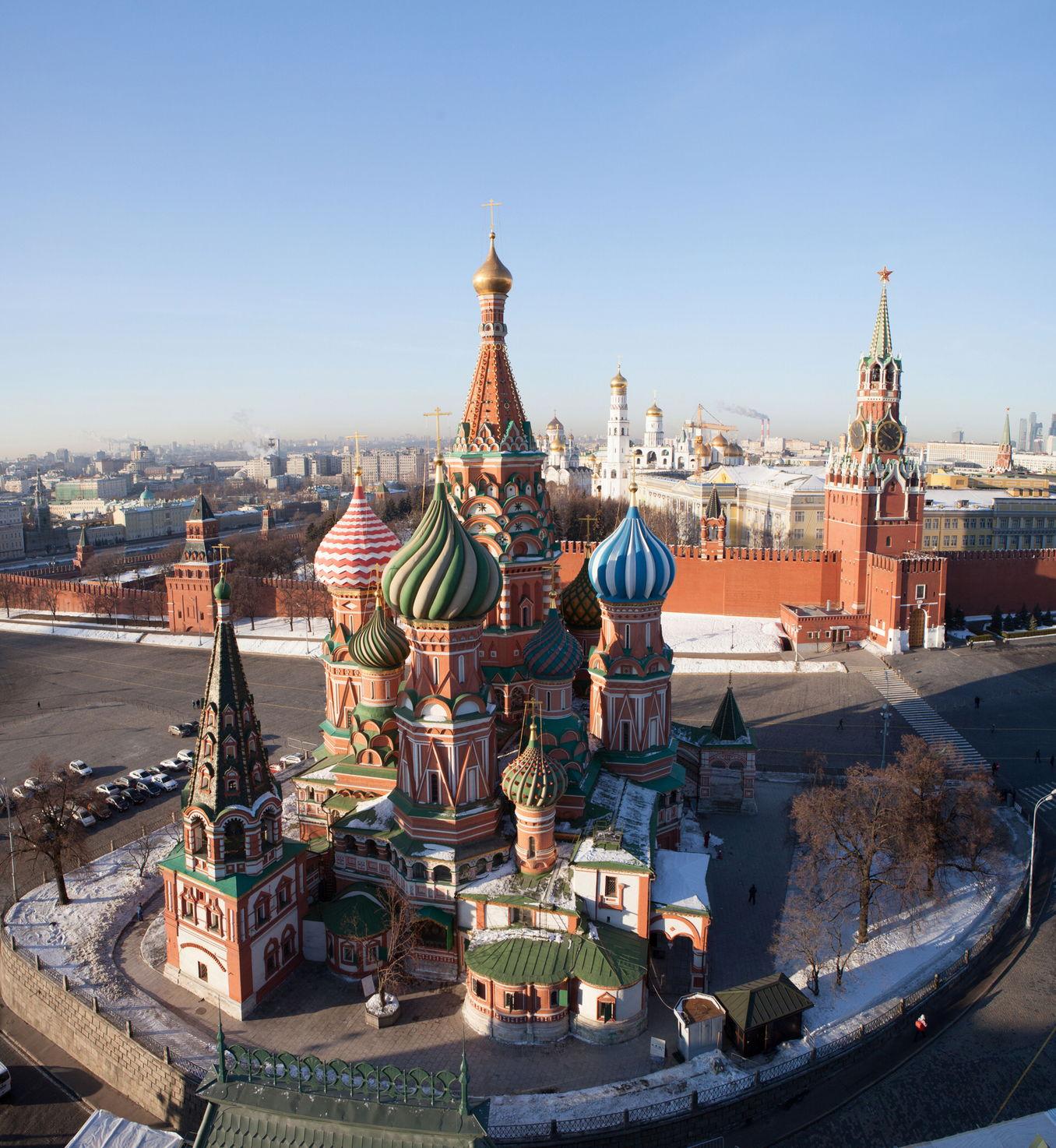 Шатры Покровского собора и Московского Кремля