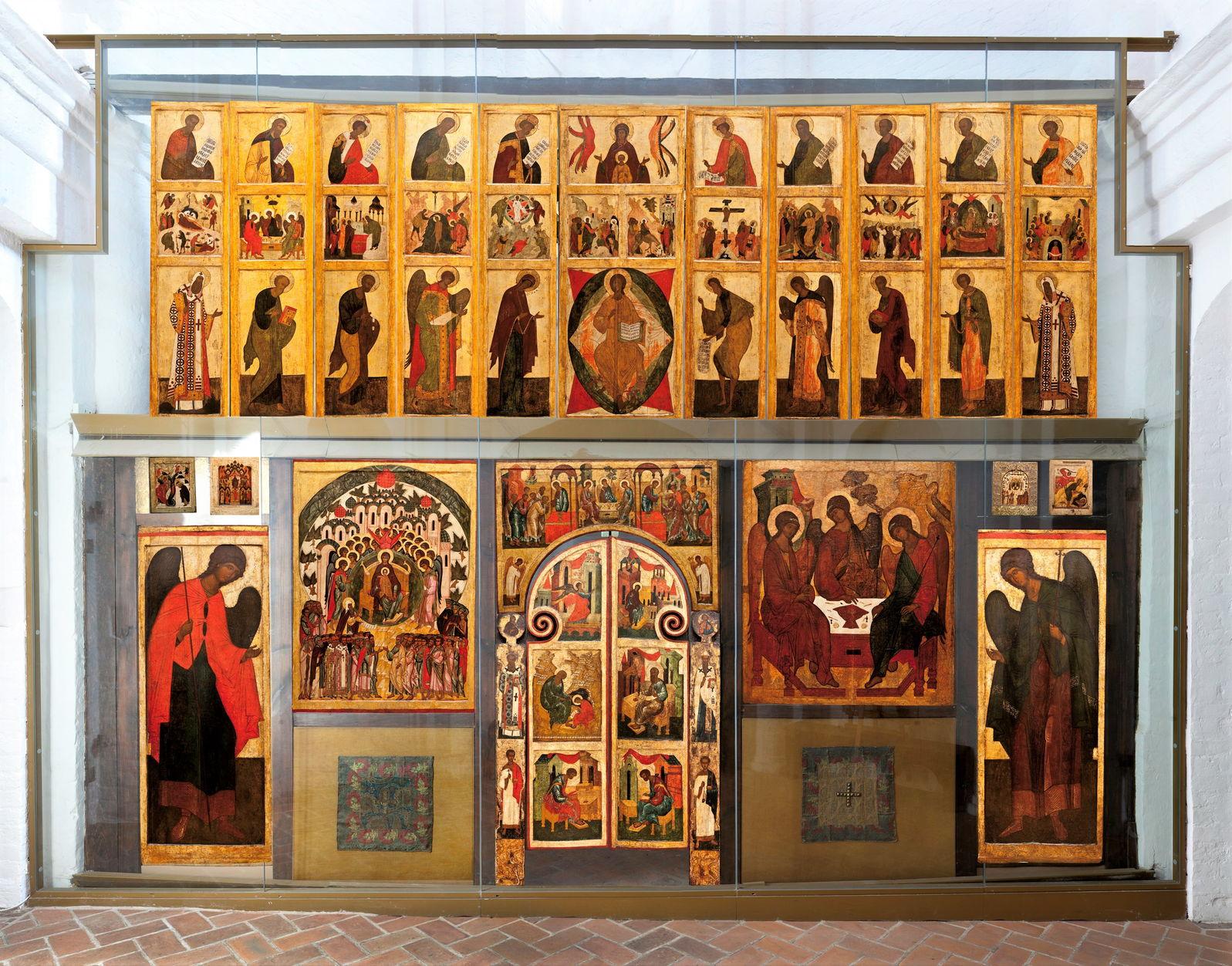 Реконструированный иконостас в церкви Святой Живоначальной Троицы