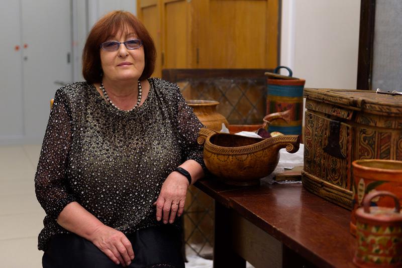 Н. Гончарова - кандидат исторических наук, старший научный сотрудник отдела дерева и мебели