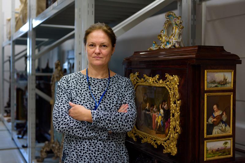 Н. Углева - старший научный сотрудник отдела дерева и мебели