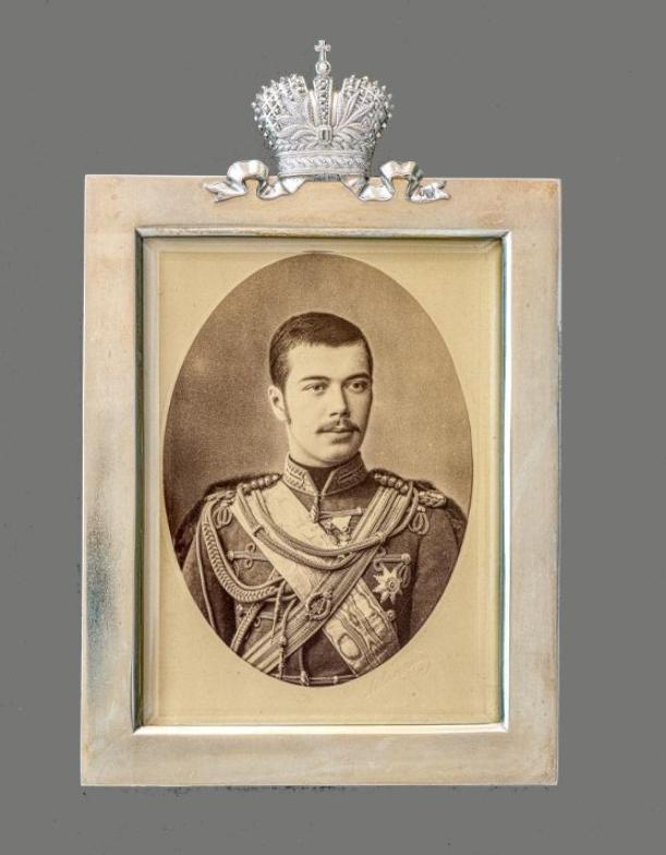 Фирма Грачева. Рамка с портретом цесаревича Николая Александровича. 1891 г.