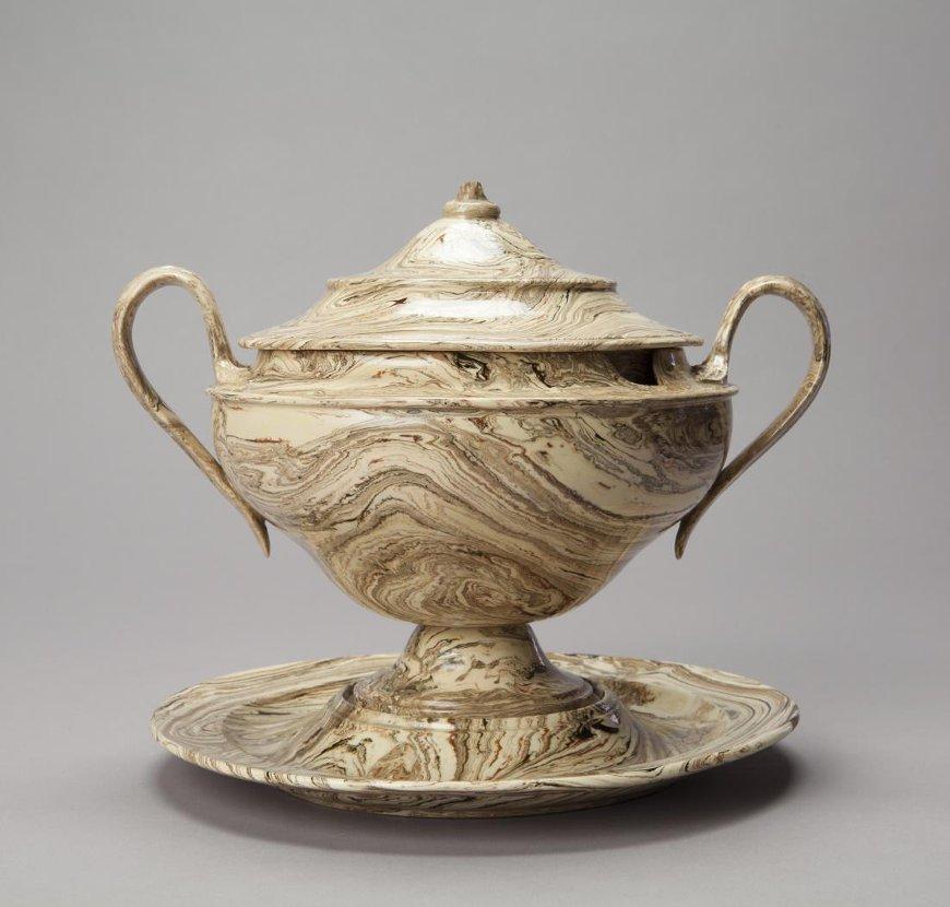 Чаша для сметаны. 1820-е – 1830-е гг. Великобритания, Стаффордшир. Агатовая масса