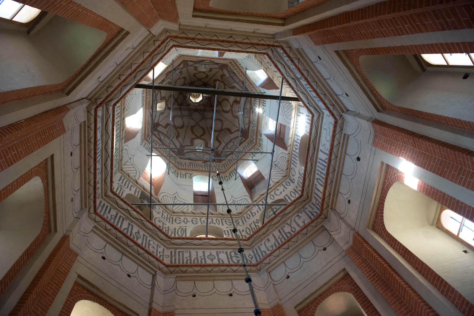 Металлические связи в шатре центральной церкви собора