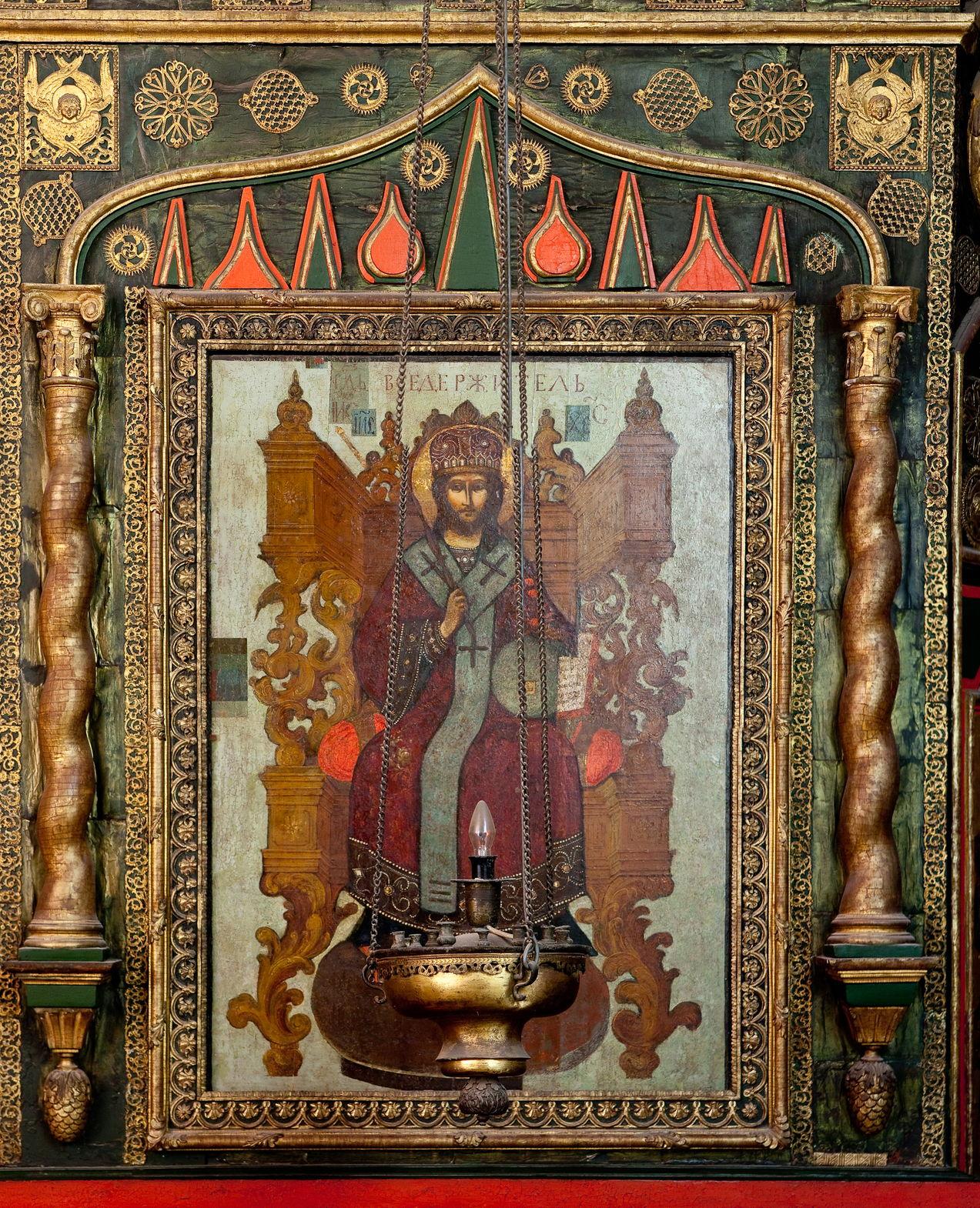 Икона «Господь Вседержитель» в местном ряду иконостаса