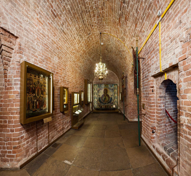 Северный подклет Покровского собора, перекрытый коробовым сводом