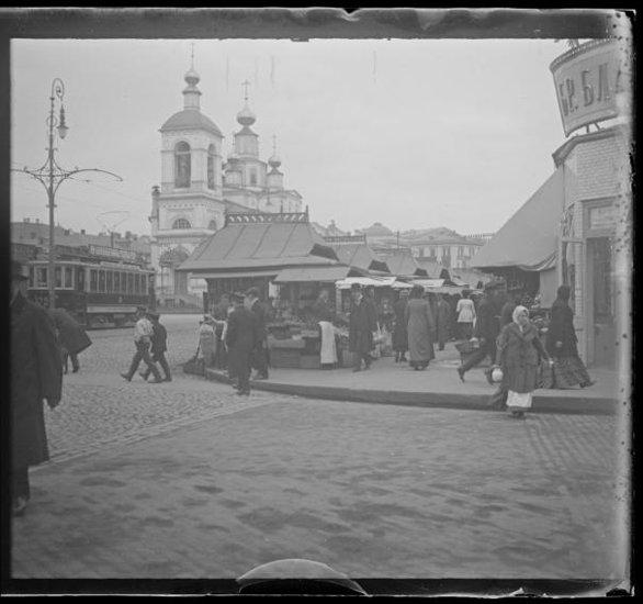 Охотный ряд - угол Тверской ул. Губарев А.А. Съемка 1913 г.