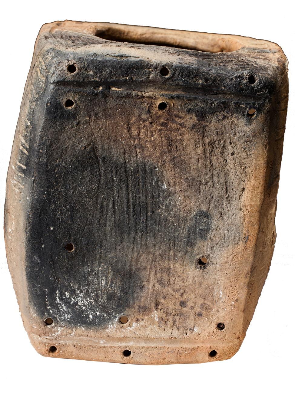 Модель повозки, середина III тыс. до н.э. Россия, Ставропольский край. Арзгирский район, Чограй VIII.