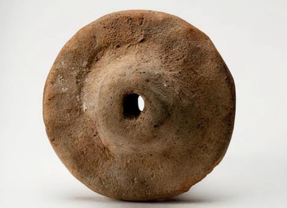 Модель колеса. Середина III тыс. до н. э. Россия, Калмыкия. Могильник Элистинский.