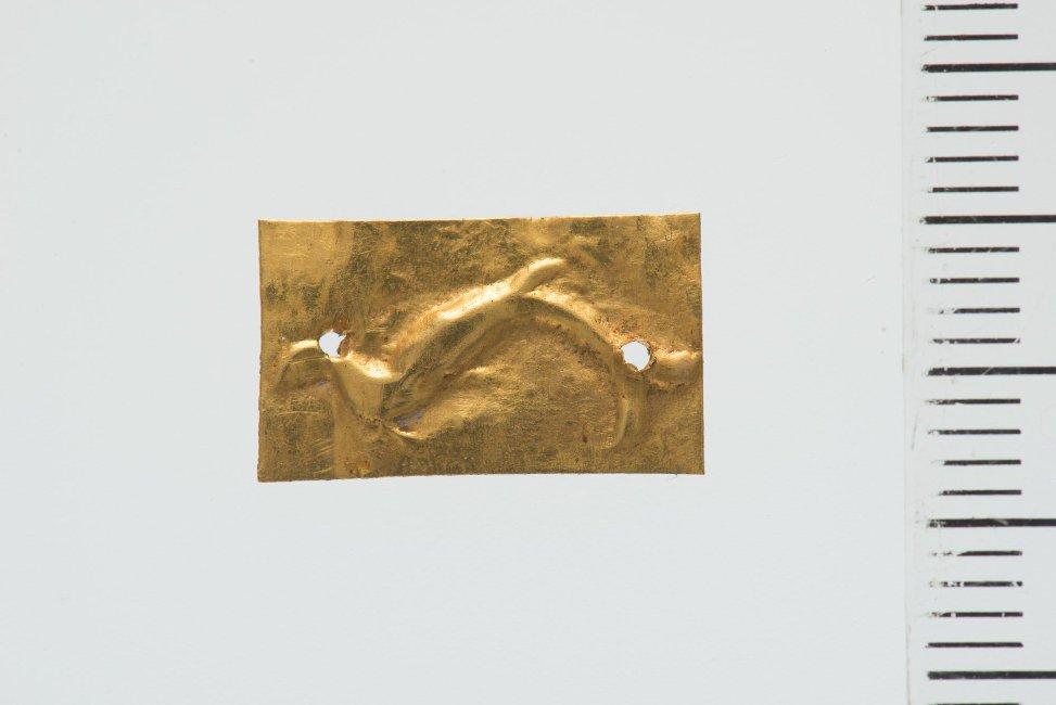 Бляшка с дельфином. I – II вв. н. э. Российская империя, Таврическая губ., Симферопольский уезд, г. Севастополь