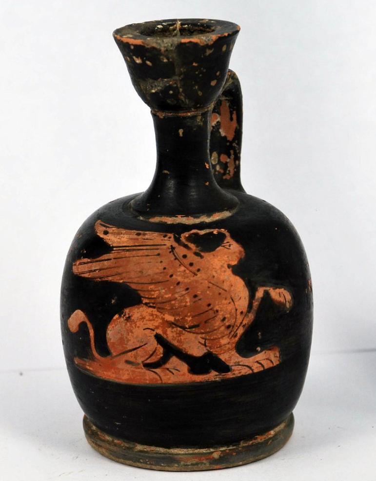 Лекиф краснофигурный с изображением сфинкса. Последняя треть V –  начало IV вв. до н.э.