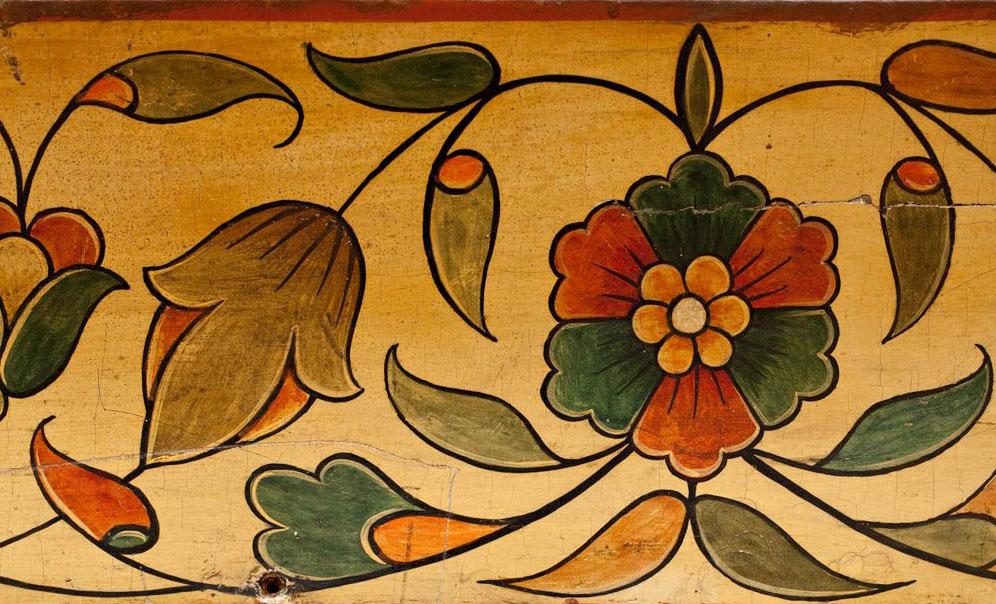Фрагмент декоративной накладки на тябло в иконостасе церкви Варлаама Хутынского