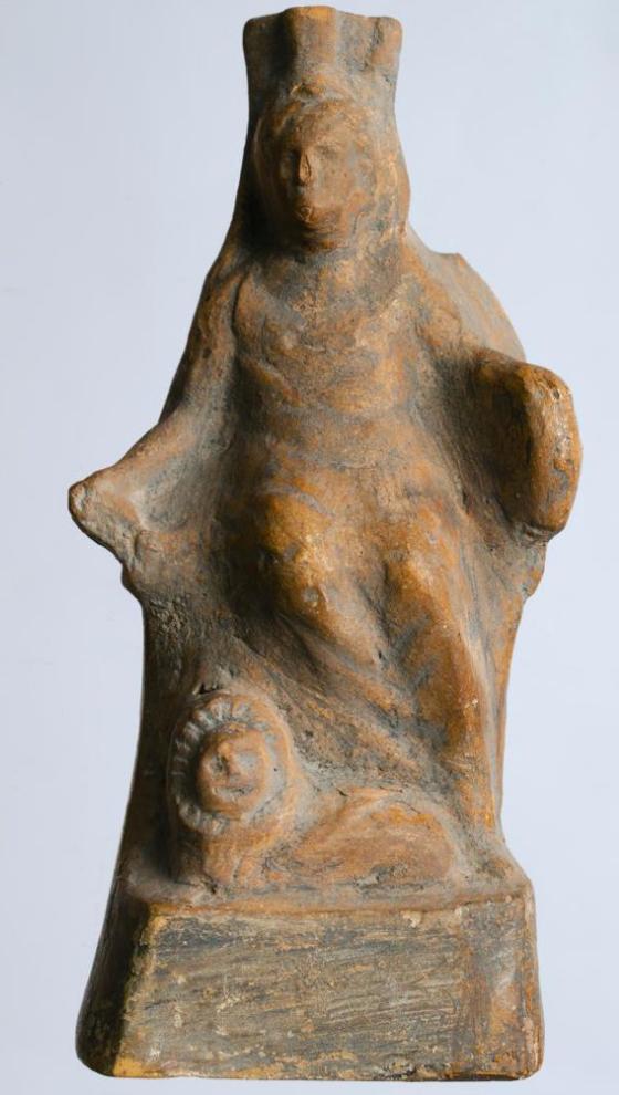 Терракотовая статуэтка Кибелы. II–III вв. н. э.