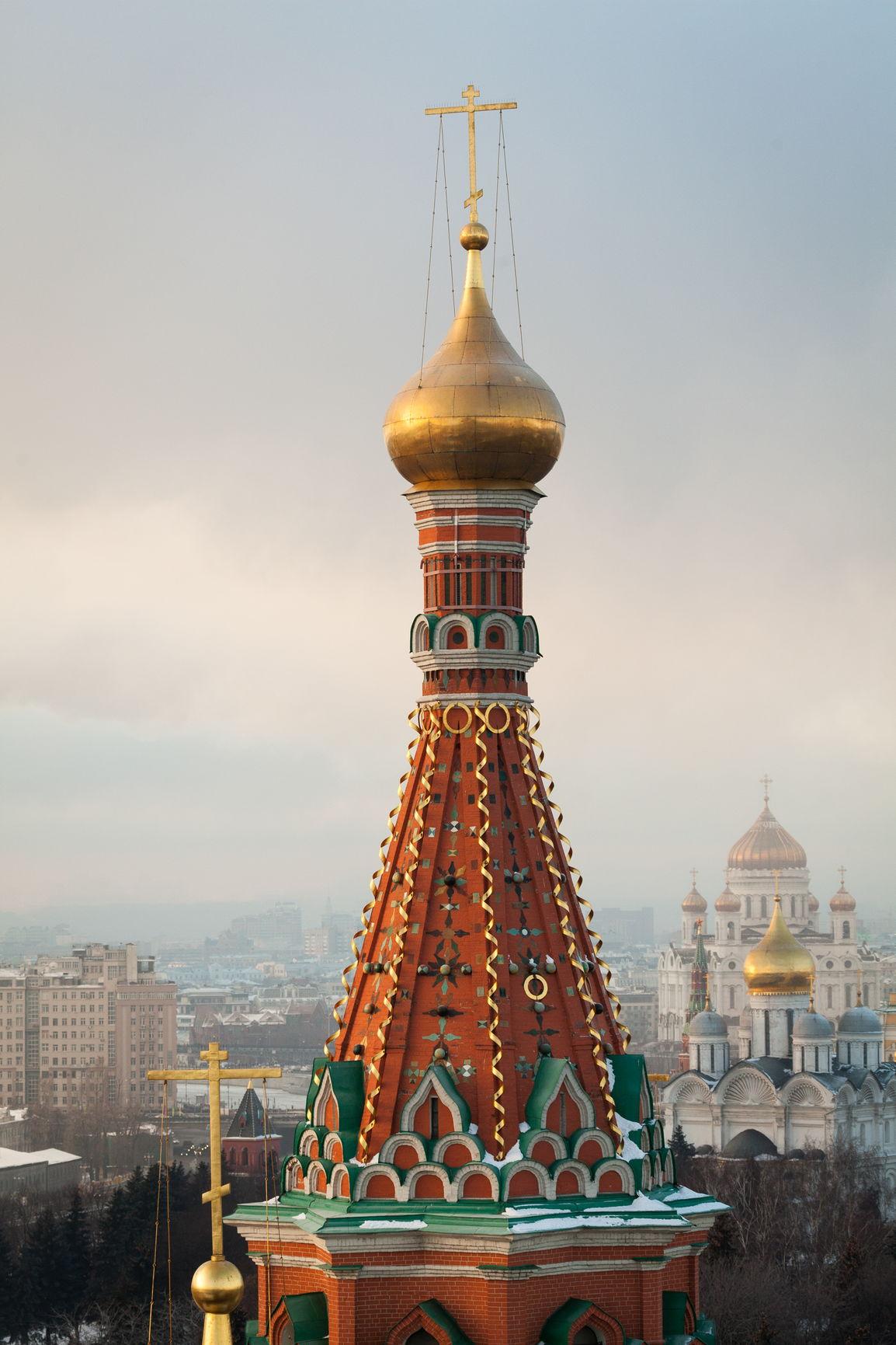 Шатровое завершение с главой центральной церкви Покровского собора