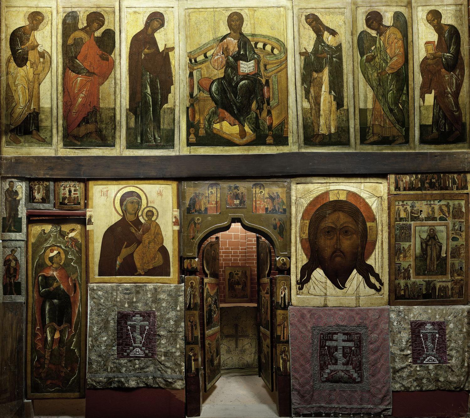 Тябловый иконостас в церкви Александра Свирского. Воссоздан в 1930-е годы
