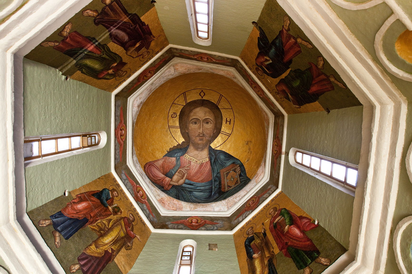 Христос Пантократор. Роспись на своде церкви