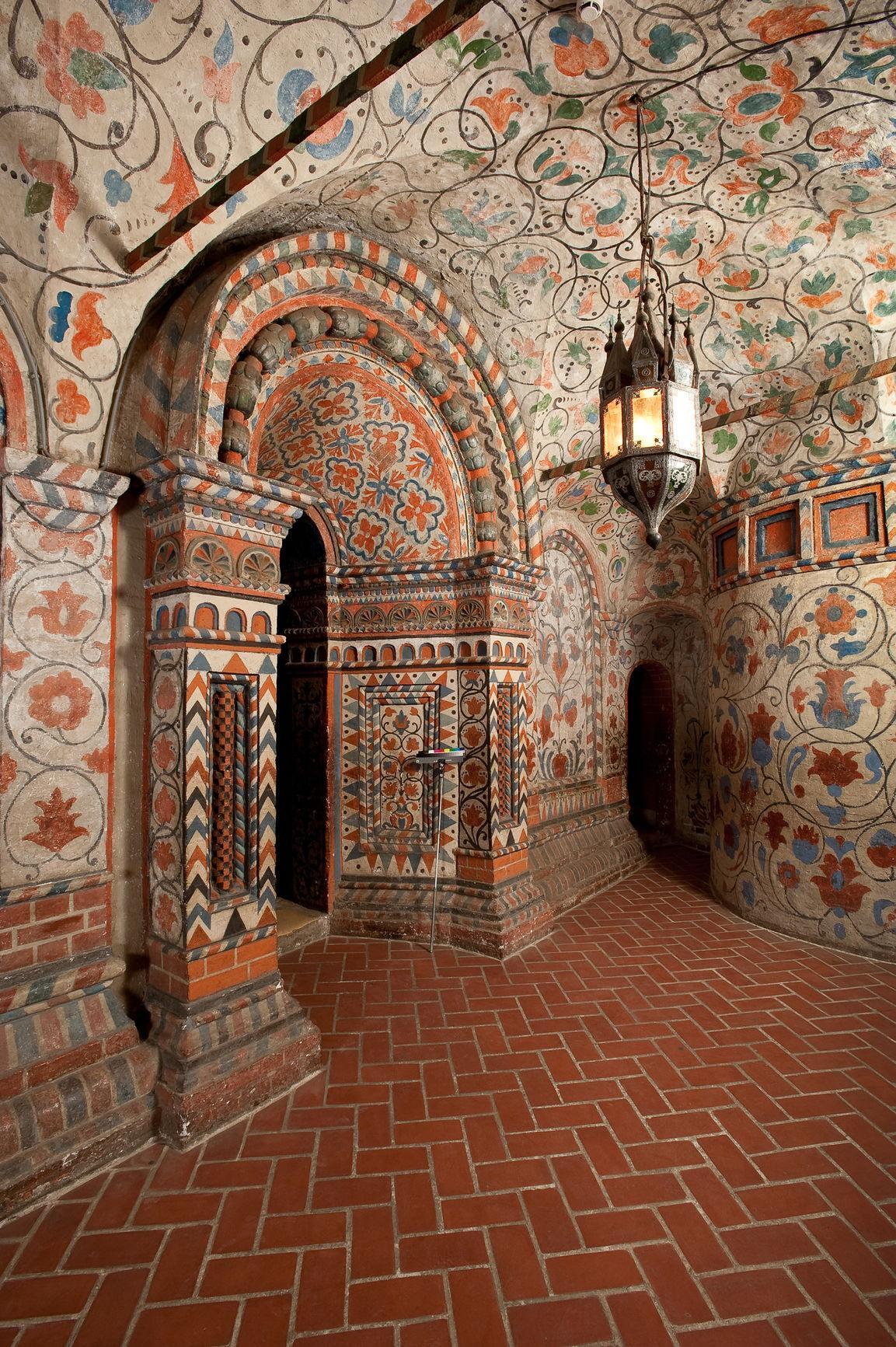 Настенные росписи северного участка внутренней галереи Покровского собора