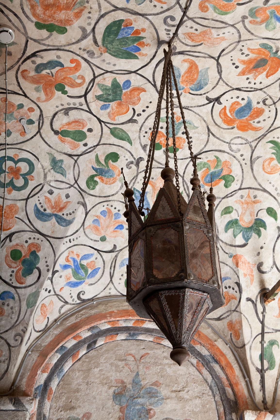 Фонарь выносной XVII в. Южный участок внутренней обходной галереи