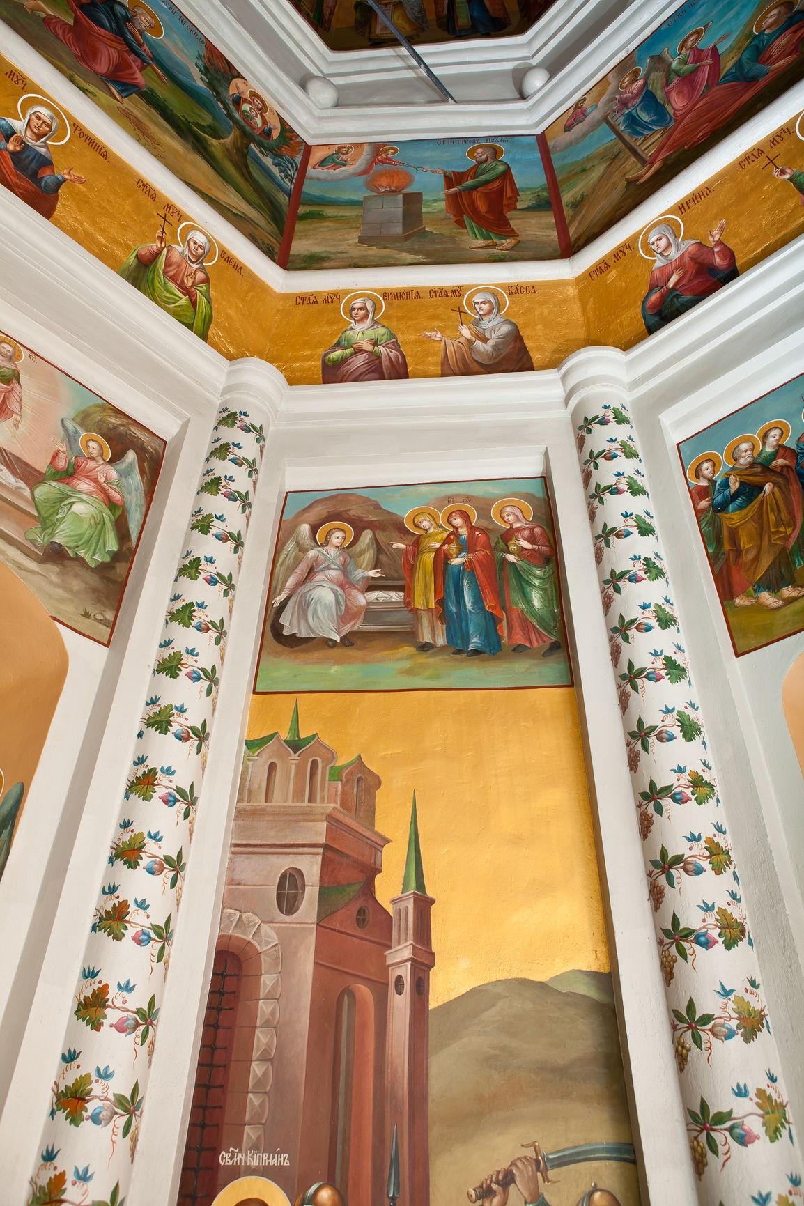 Мотив виноградной лозы в настенной росписи церкви Киприана и Иустины Покровского собора. XVIII в.