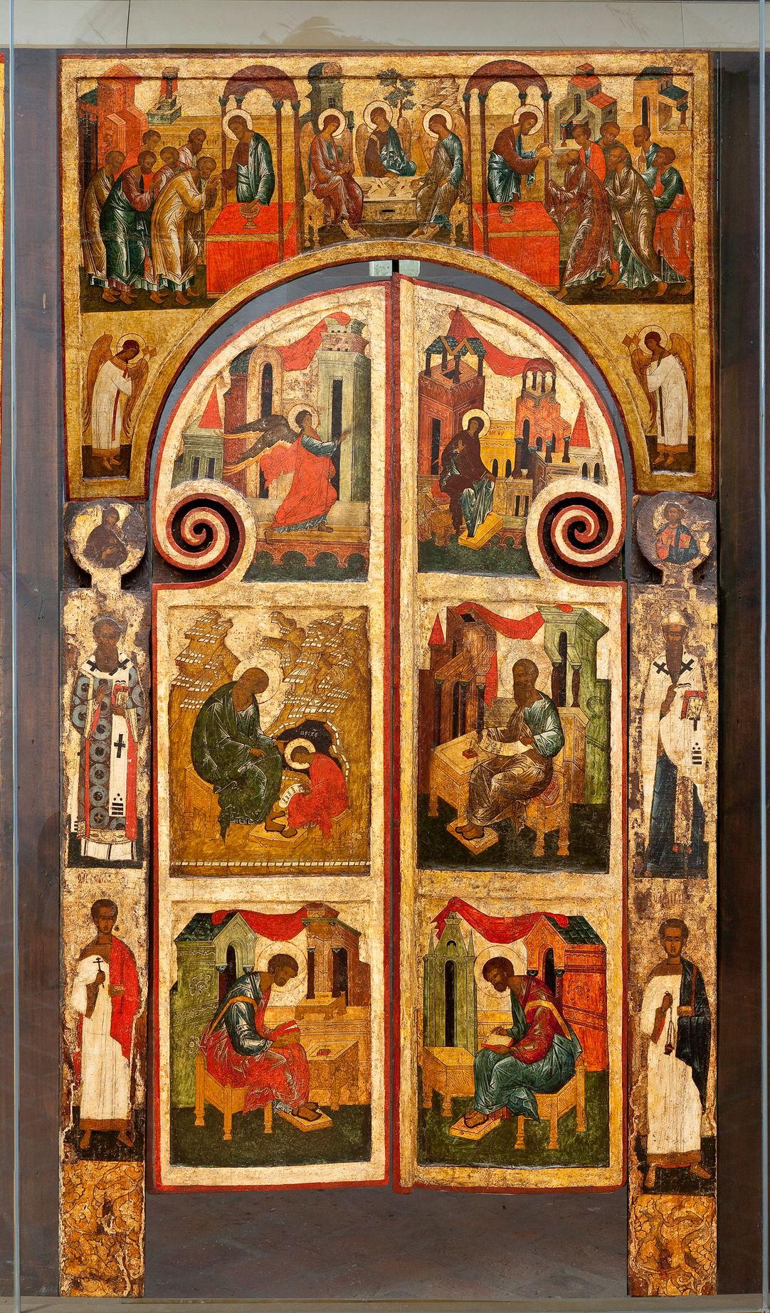 Царские врата иконостаса в церкви Святой Живоначальной Троицы Покровского собора. XVI в.
