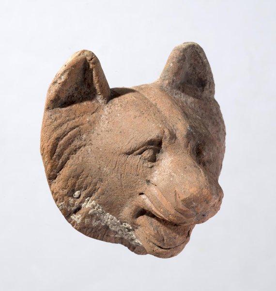 Терракотовый налеп на саркофаг — голова Цербера. I–II вв. н. э. Российская империя. Таврическая губ., г. Керчь