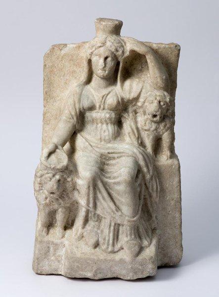 Статуя сидящей Кибелы вхитоне.1в.дон.э. —1в.н.э.
